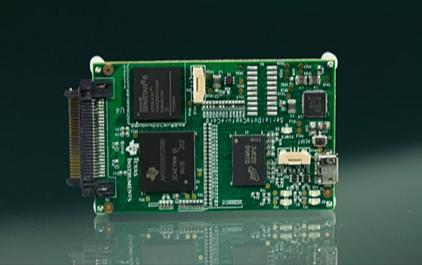 ADS8353 ADC 性能演示套件 16位、高速、双通道、同步采样SAR ADC性能演示套件
